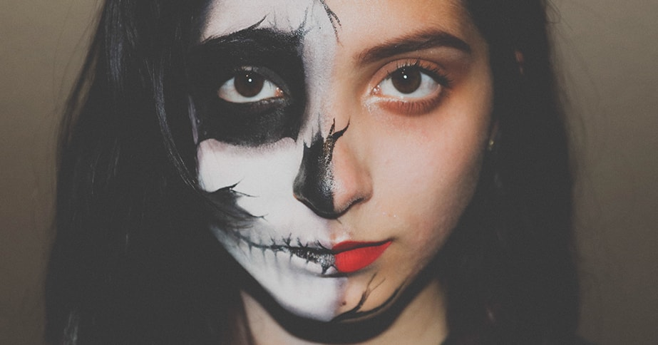10 Creepy Eye Makeup Looks To Try This Halloween