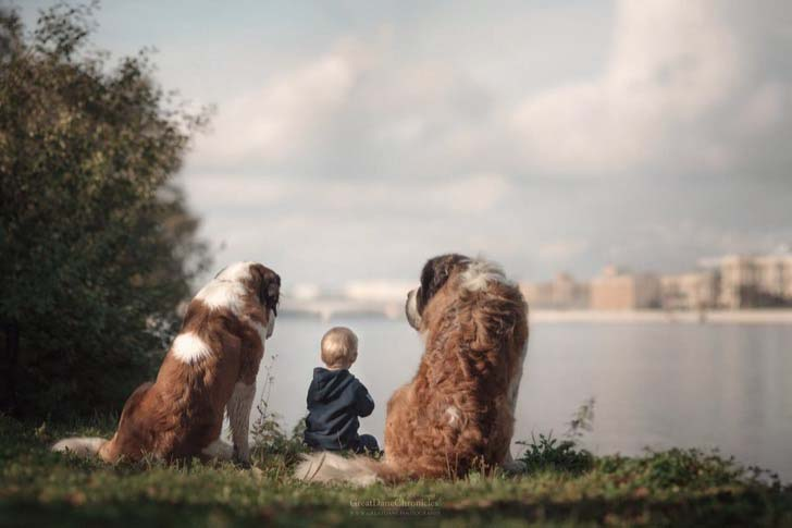 14-truly-magical-photos-of-little-kids-and-their-big-dog_11