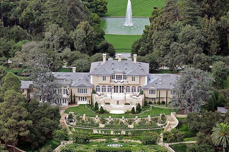 15-most-jaw-droppingly-gorgeous-famous-star-mansions_13