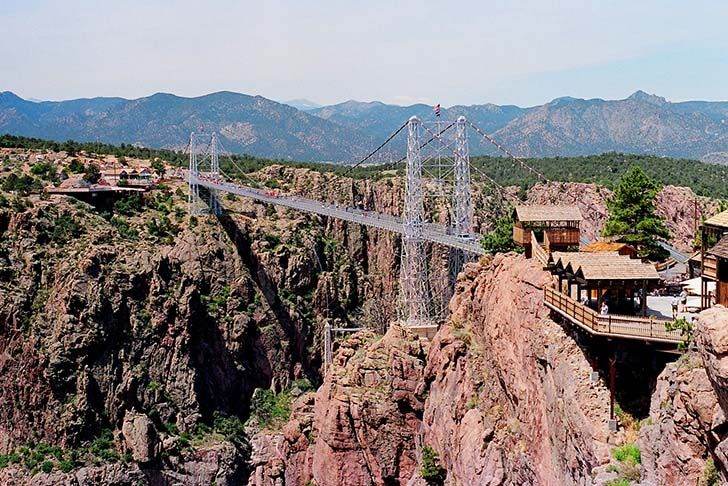 15-worlds-scariest-bridges-revealed-in-stomach-churning-photos_1