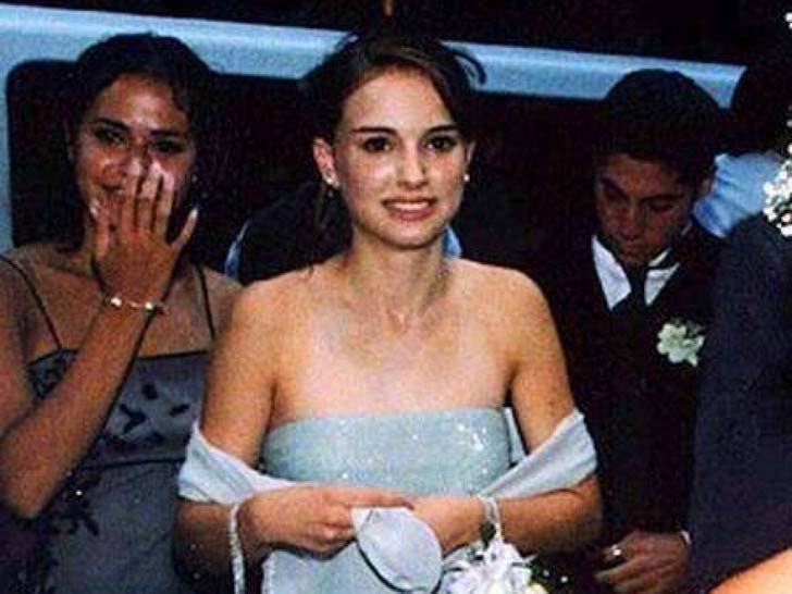 17-of-the-most-famous-celebrities-at-their-high-school-prom_11