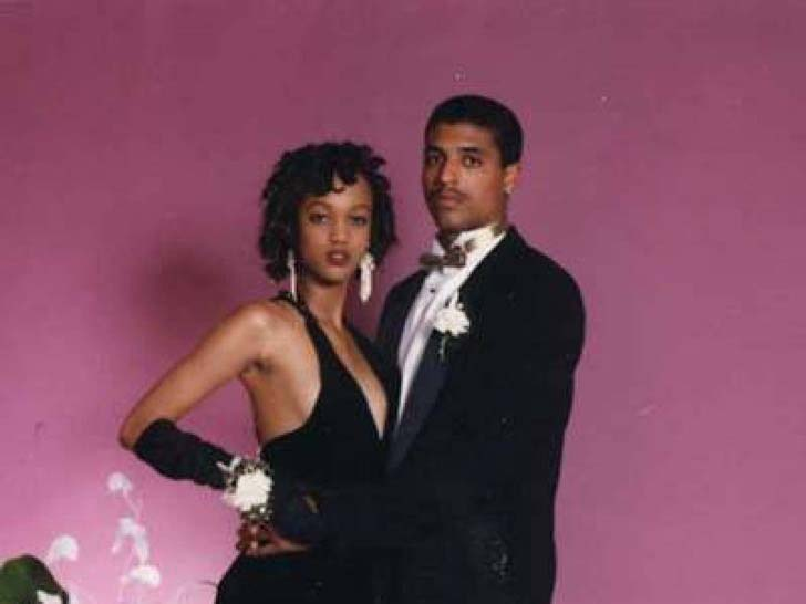 17-of-the-most-famous-celebrities-at-their-high-school-prom_13