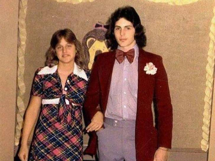 17-of-the-most-famous-celebrities-at-their-high-school-prom_5