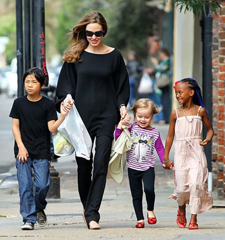 18-beautiful-celebrity-mothers_15