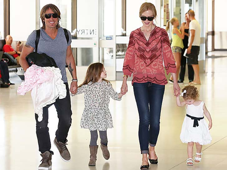 18-beautiful-celebrity-mothers_4