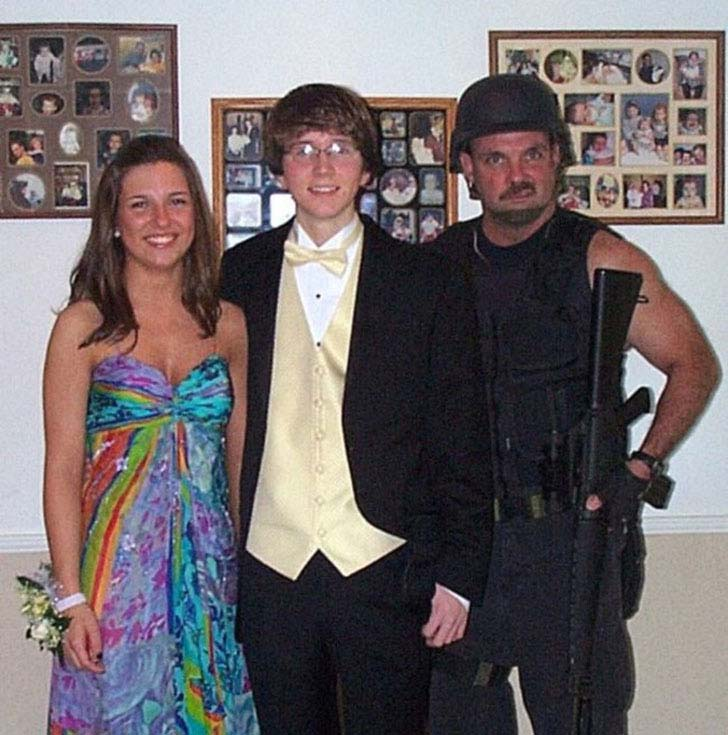 20-most-awkward-prom-photos-you-have-ever-seen_11