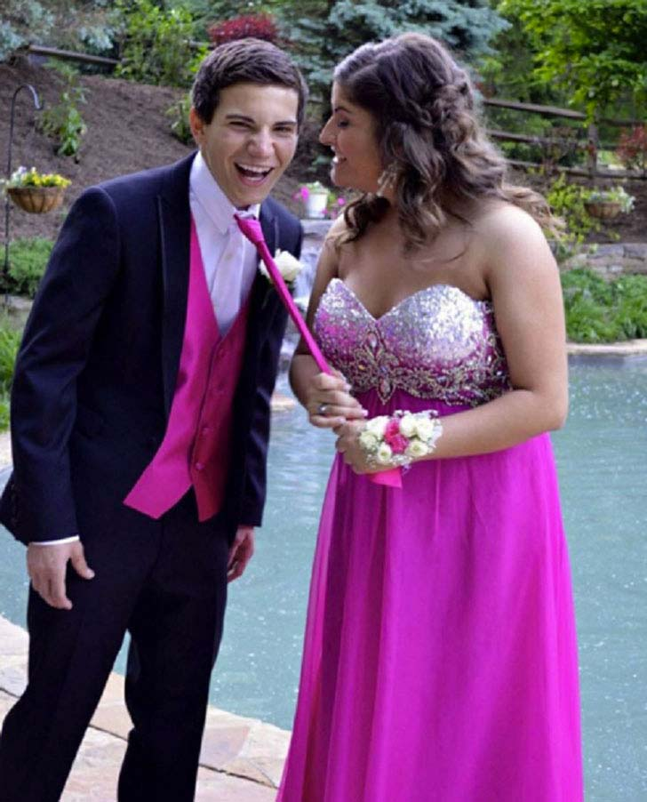 20-most-awkward-prom-photos-you-have-ever-seen_15
