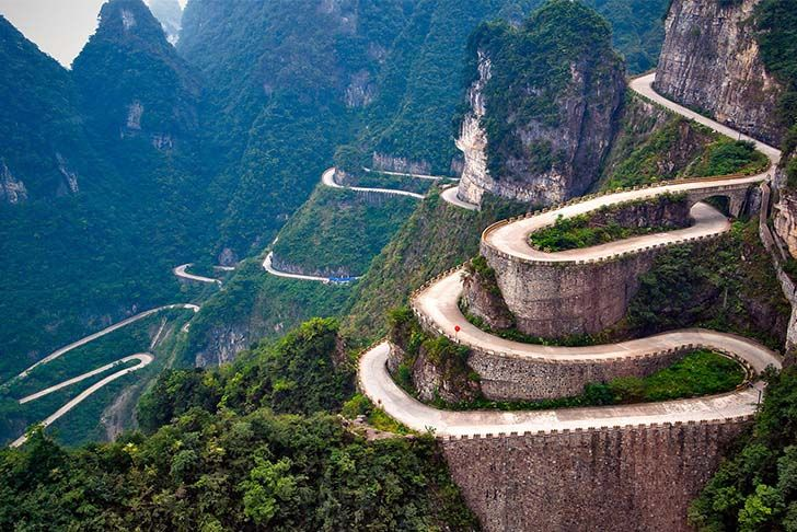 8-best-roads-in-the-world-that-you-need-to-drive_1