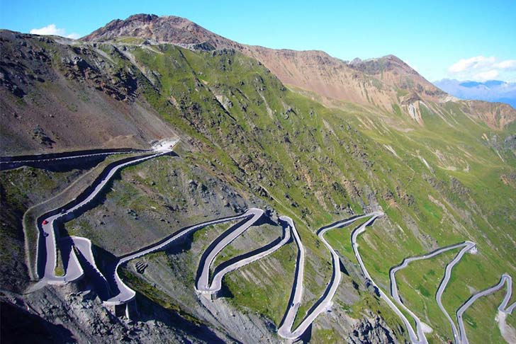 8-best-roads-in-the-world-that-you-need-to-drive_2