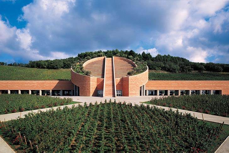8-most-spectacular-wineries-in-the-world-that-wine-lovers-must-see_3
