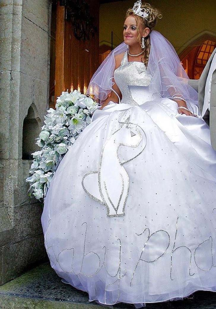 8-worst-wedding-dresses-of-all-time_8