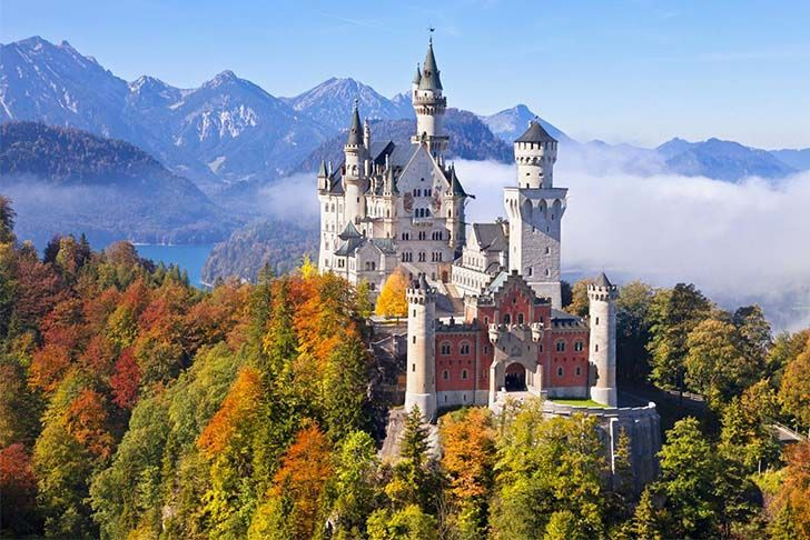 9-oldest-and-enchanting-castles-in-the-world_1