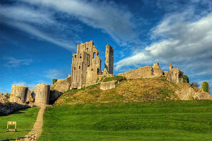 9-oldest-and-enchanting-castles-in-the-world_2