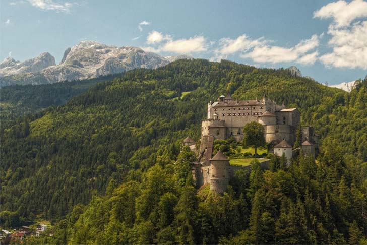 9-oldest-and-enchanting-castles-in-the-world_7