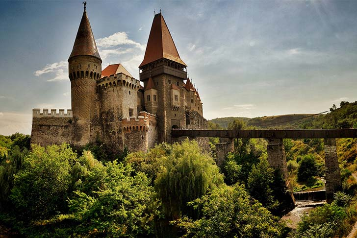 9-oldest-and-enchanting-castles-in-the-world_8