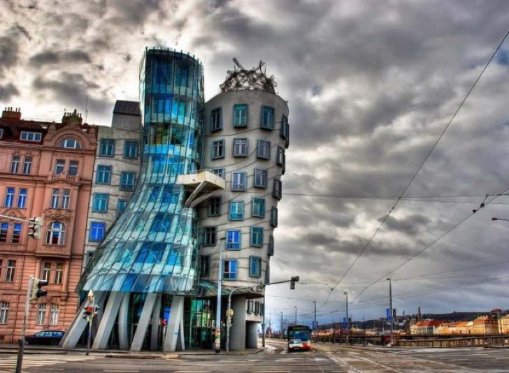 9-unusual-building-designs-that-were-ever-constructed_8