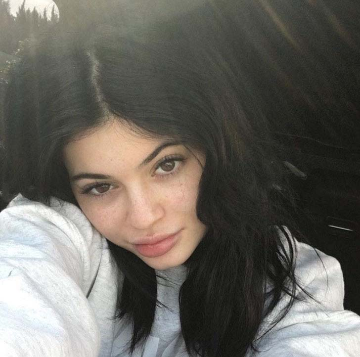 daring-to-bare-what-11-celebrities-really-look-like-without-makeup_1