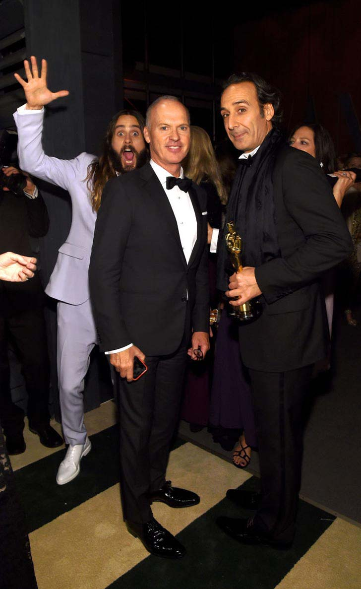 the-best-20-celebrity-photobombs-of-the-year_14