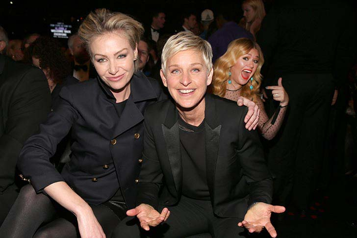 the-best-20-celebrity-photobombs-of-the-year_7