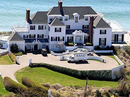 20 Most Jaw-Dropping Movie Star Homes