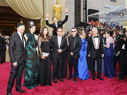 The Best 20 Celebrity Photobombs Of The Year